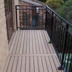 Modwood deck with a breaker board